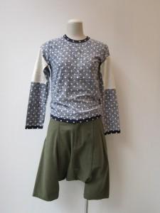 コムコム:Tシャツ ¥16800