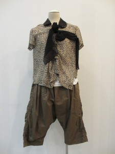 tricot : ブラウス ¥31500