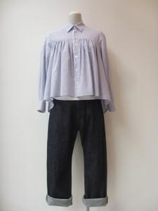 tricot : ブラウス ¥26250 (ブルー / 白)