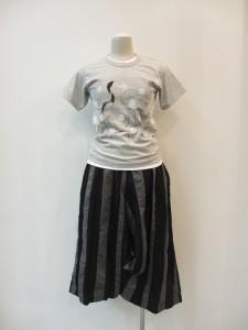 コムコム : Tシャツ (グレー×白水玉) ¥18900