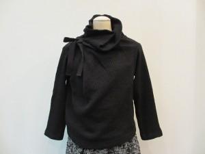 tricot : ニット ¥39900 (黒)