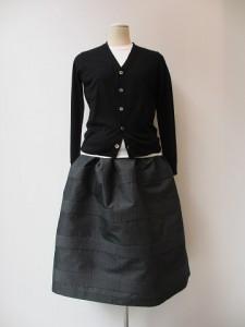 tricot : ニット ¥42000 (黒)