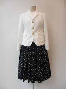 コムコム : スカート ¥35700 (紺×白)