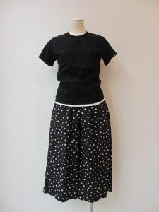 コムコム : パンツ ¥29400 (黒×白)