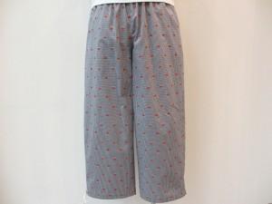 trivot : パンツ ¥31320 (ブルー/赤花柄)