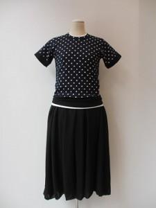 コムコム : Tシャツ ¥18360  (半袖)