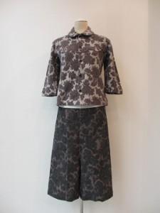 tricot : Tシャツ ¥37800 (グレー)
