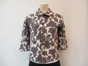 tricot : Tシャツ ¥37800 (ベージュ)