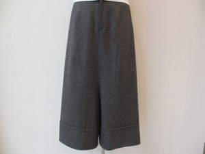 tricot : パンツ ¥32400 (TOPグレー)