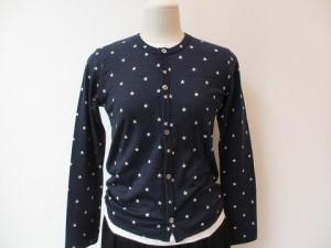 コムコム : Tシャツ ¥32400 (紺×白 星柄  )