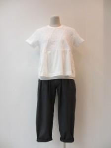 tricot : パンツ ¥36720 (グレー)