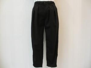 tricot : パンツ ¥36720 (黒)