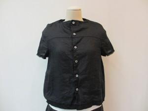tricot : ブラウス ¥32400  (黒)