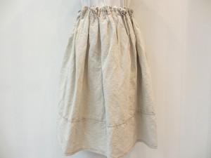 tricot : スカート ¥37800 (ナチュラル)