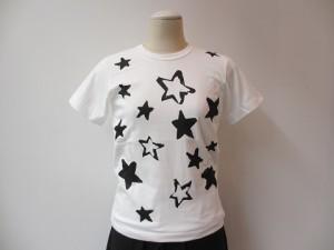 コムコム : Tシャツ ¥12420 (白×黒)
