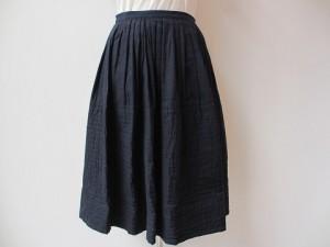 スカート ¥36720 (紺)