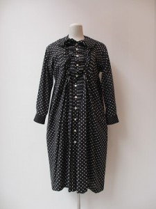 tricot : ワンピース ¥49680 (黒×白)