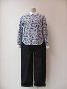 tricot : ブラウス ¥31320 (ブルー/白)
