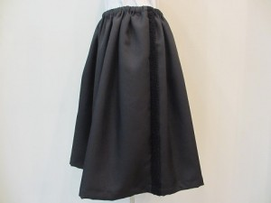 tricot : スカート ¥27000 (黒)