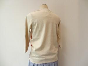 tricot : Tシャツ ¥25920 (パープル系×生成)