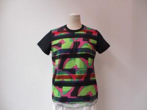 tricot : Tシャツ ¥22680  (柄×白×紺)