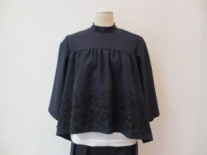 tricot : ブラウス ¥49680