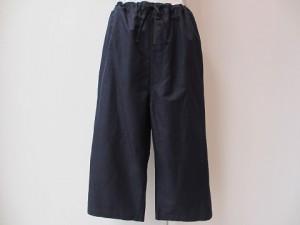 tricot : パンツ ¥32400 (紺)