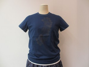 tricot : Tシャツ ¥12960  (紺)