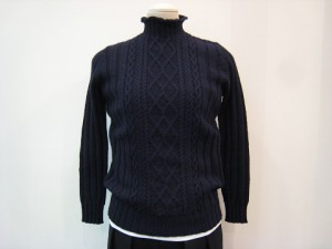 tricot : ニット ¥45360 (紺)
