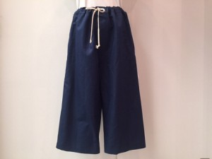 tricot : パンツ ¥34560 (紺)