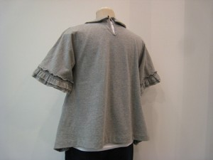 tricot : Tシャツ ¥24840 (TOPグレー)