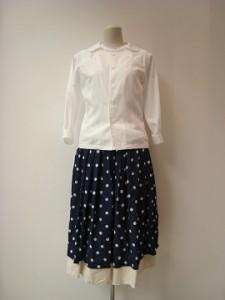 コムコム : スカート ¥41040  (紺×生成)