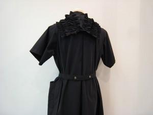 tricot : ワンピース ¥74800 (黒)