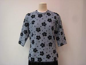 tricot : Tシャツ ¥35200 (紺白/黒)
