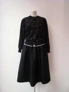 tricot : スカート ¥49680  (黒)