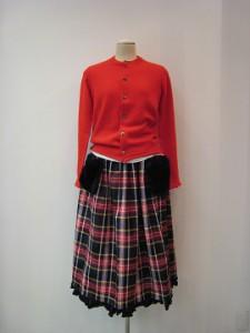 tricot : スカート ¥49500 (黒系)