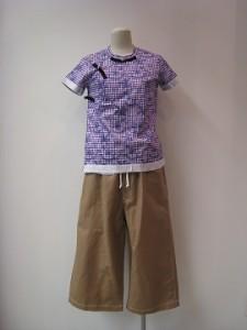 tricot : Tシャツ ¥39600 (パープル系)