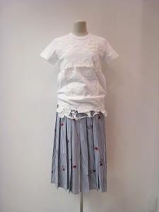 tricot : スカート ¥63800 (紺/白)